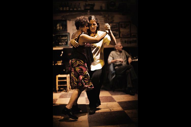 Tinta Roja revista de tango, Los Aureles, Buenos Aires